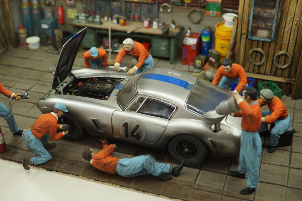 1/18 Boxencrew GULF von SF Scale Figures - Handarbeit