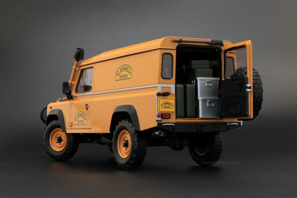 1/18 LAND ROVER DEFENDER 110 CAMEL TROPHY Support Unit Borneo Almost Real 810311