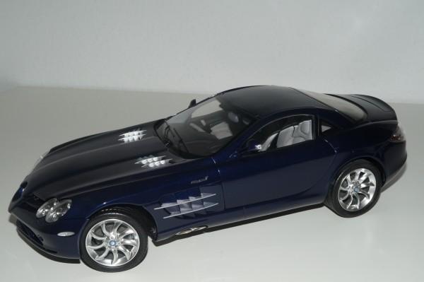 1/12 Mercedes-Benz SLR McLaren 2003 BLAU CMC C-006D