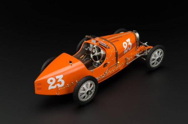 Bugatti T35 Nation Color Project - Niederlande #23 LE 500 St. CMC M-100 010