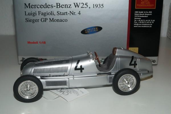 Mercedes-Benz W25 #4 Fagioli SCHWARZE STARTNUMMER CMC M-104