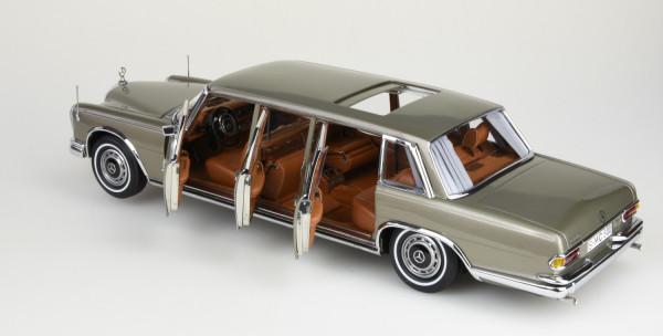 CMC Mercedes-Benz 600 Pullman (W100) Limousine mit Schiebedach CMC M-204