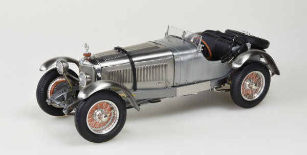 Mercedes-Benz SSK 1928-1930, Clear Finish inklusive Vitrine Limitierte Edition 600 Stück CMC M-209