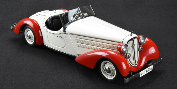 Audi Front 225 Roadster rot-weiss CMC M-075C