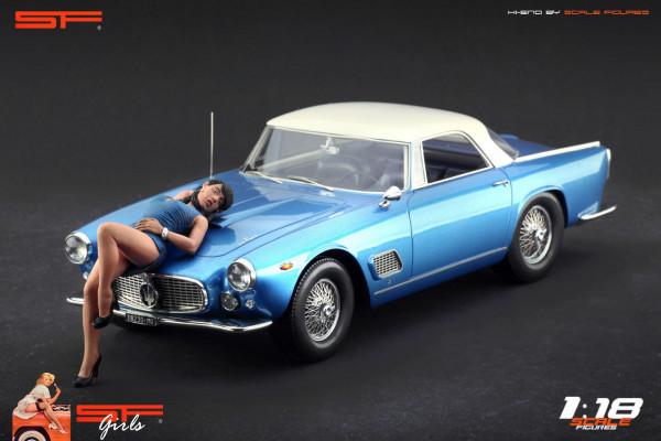 1/18 Lying Girl Blue Dress von SF Scale Figures - Handarbeit -