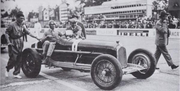 CMC Alfa-Romeo P3 #8 Nuvolari, Gewinner GP Italien 1932 LE 1.000