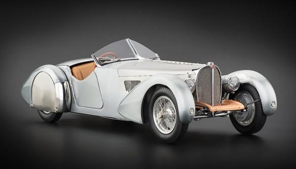 Bugatti 57 SC Corsica Roadster unlackiert CMC M-134 Limited Edition 1000 Stück